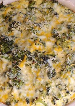Gratén de pollo con brécol, maíz y tomates
