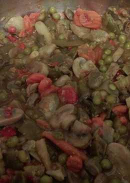 Menestra de verduras con champiñones y pimientos