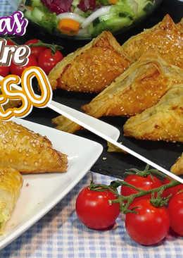 Empanadas de hojaldre rellenas de carne y queso