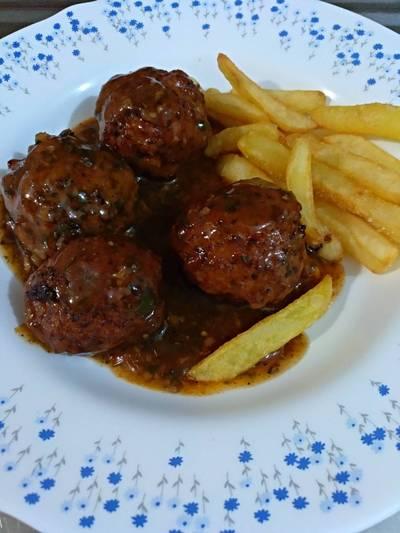 Albóndigas de carne y champiñones