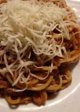 Espaguetis con atún y salsa tomate a la mostaza