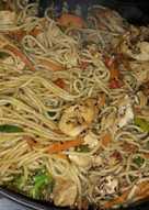 Wok pollo, vegetales con fideos especial!
