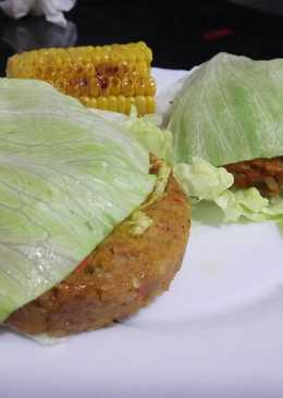 Hamburguesa vegana con pan de lechuga
