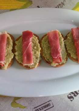 Tapas de guacamole y jamón con thermomix