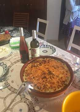 Macarrones gratinados con atún, espinacas y coliflor
