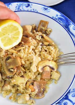 Arroz integral con pollo y champiñones al limón