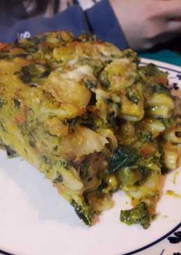 Pastel de fideos y vegetales