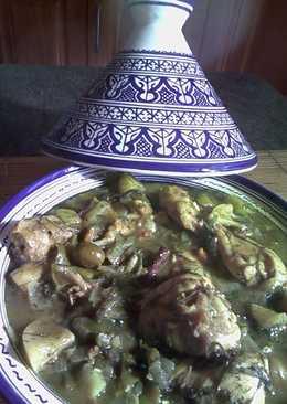 Tajine de pollo con aceitunas y limón en salmuera
