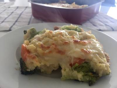 Pastel de brócoli al vapor con mostaza
