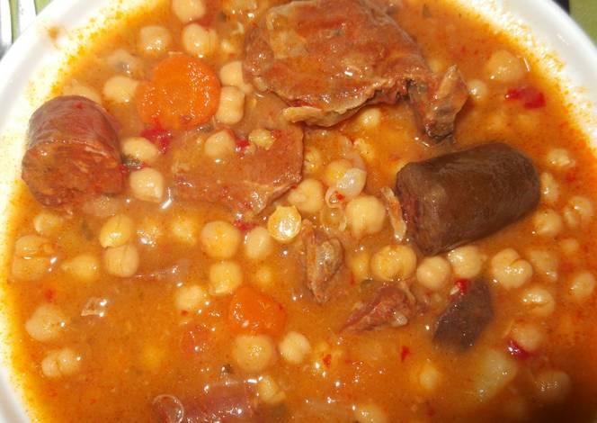 Garbanzos con costillas de cerdo morcilla y chorizo - Garbanzos con costillas ...