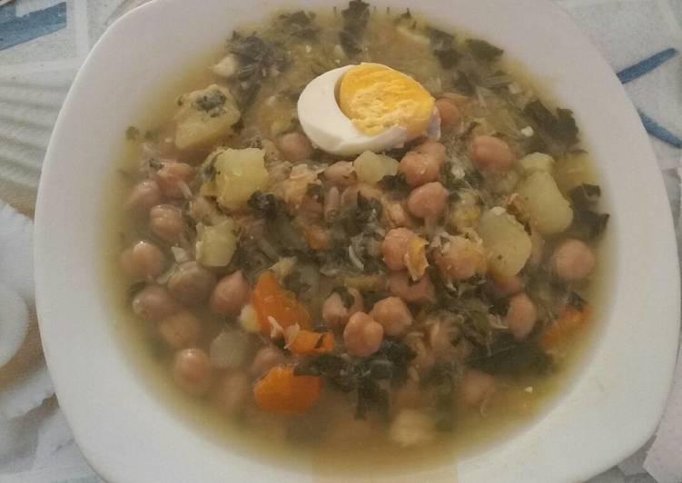Potaje de garbanzos con bacalao y acelgas receta de conchy - Bacalao con garbanzos y patatas ...