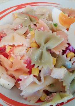 Ensalada de Pasta Hortelana con Fruta y Queso