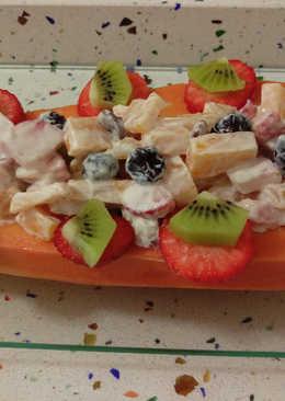 Papaya con crema de queso y frutas