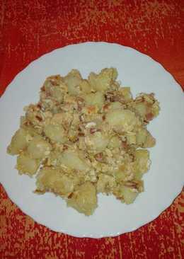 Patatas revolconas con pollo y beicon
