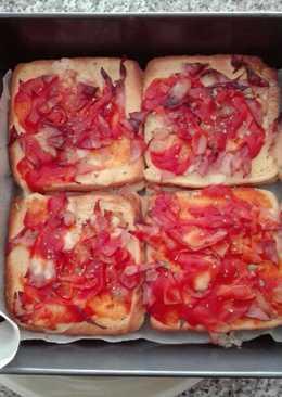 Pastel-pizza de pan de molde