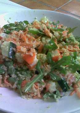 Ensalada de quinoa con vinagreta de mostaza y eneldo