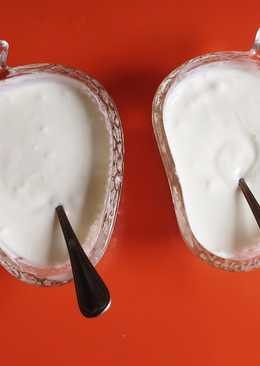 Crema de yogur al limón