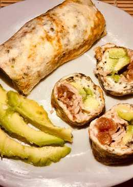 """""""Sushi"""" de claras, atún, aguacate y queso crema light #fitness #sano #fácil"""