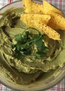 Hummus de aguacate, un entrante muy versátil y fácil de preparar. Apto para personas diabéticas