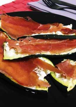 Calabacín al horno con queso de untar y jamón serrano