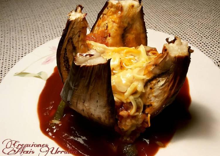 Berenjena rellena al horno con salsa de picadillo de tomate y queso receta de alexis urrutia - Berenjena rellena al horno ...