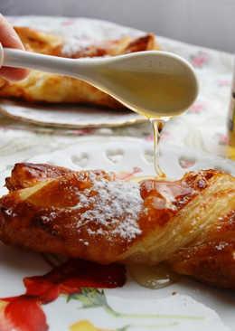 Lazos de hojaldre con miel