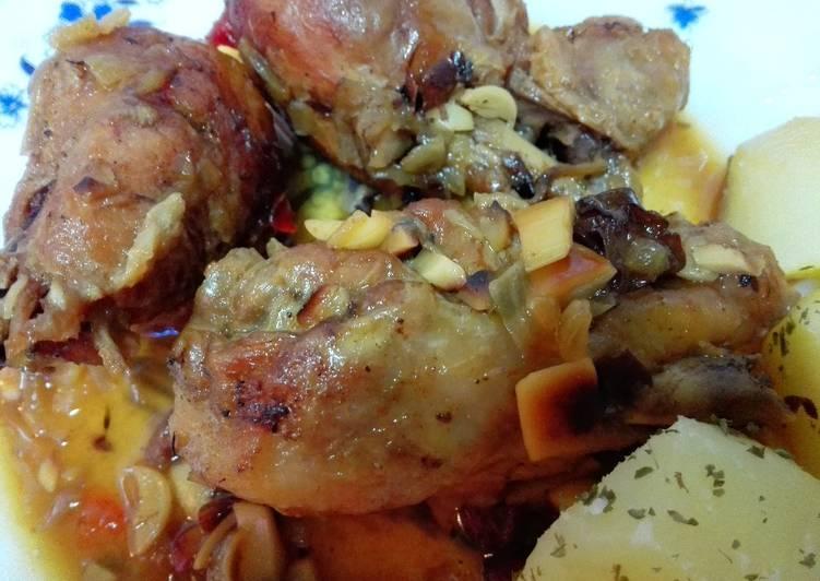 Muslitos de pollo con almendras y pasas receta de conchi - Muslitos de pollo ...