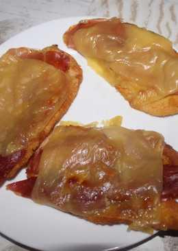 Filete de pechuga de pollo con jamon y queso