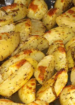 Patatas de primavera asadas al horno con hierbas
