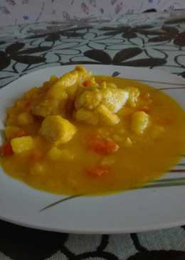 Pollo con patatas y zanahoria en salsa a mi estilo