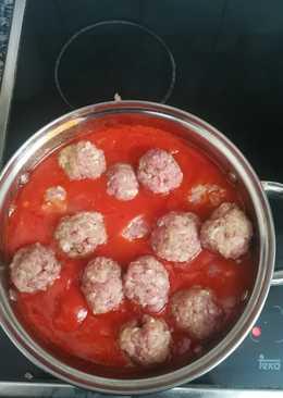 Albóndigas en tomate con semillas