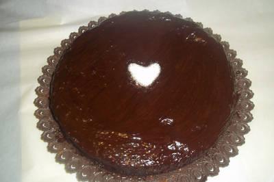 Tarta rellena y cubierta de chocolate - cumpleaños 2016