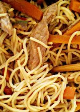Noodles estilo asiático