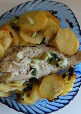 Merluza con patatas al horno