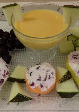 Melocotones y peras rellenos de mascarpone con cerezas y smoothie de papaya y melón