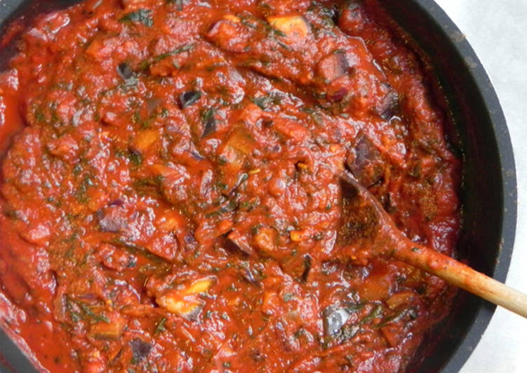 Pasta con salsa de verduras tranquilas