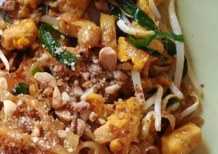 Tallarines salteados al Wok (Pad Thai) Receta de CalSerge