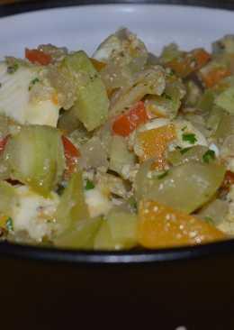 Wok de vegetales y queso de cabra