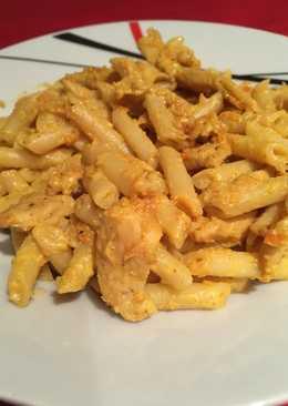 Macarrones al curry con pollo
