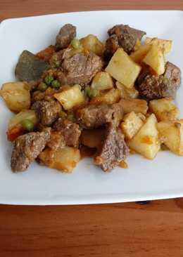 Carne compuesta estilo canario