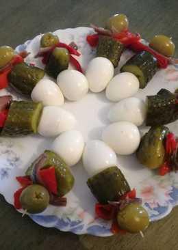 Pinchos de huevos de codorniz