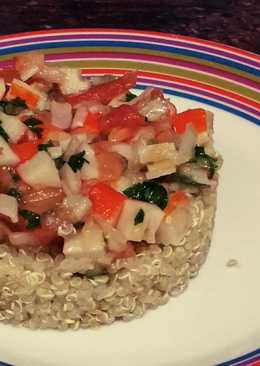 Ceviche de surimi con quinoa