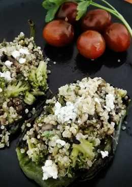Pimiento relleno de quinoa, brócoli y champiñones