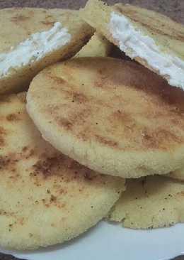 Receta de mini harcha rellena con queso /comida de Marruecos