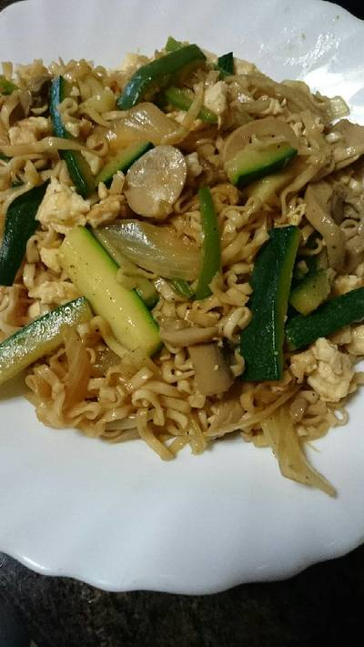 Fideos chinos con verduras al wok