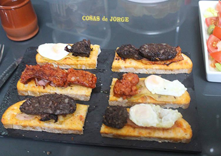 Foto principal de Morcilla, chorizo y huevos de codorniz