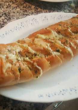 Pan de ajos con queso
