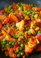 Guisantes con chorizo, zanahoria y coliflor