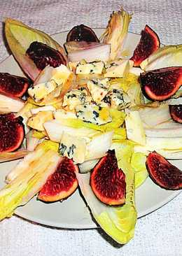 Endibias con queso azul y higos morados