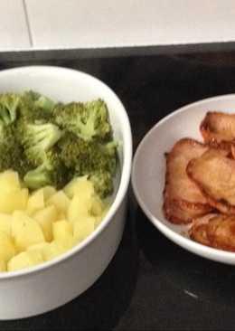 Plato combinado: brocoli + patata+filete de lomo d cerdo adobado